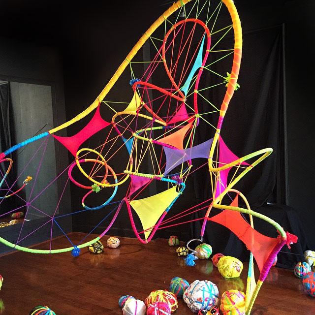 Judy-Thomas-we-love-colors-tights-art