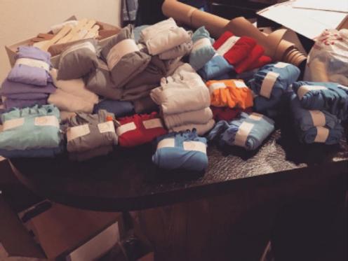 imperfects-toe-socks-arm-gloves-shipment
