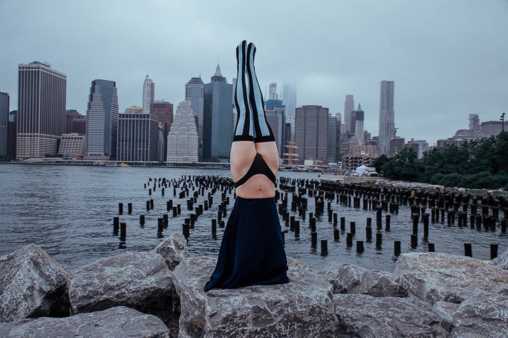 headstand-yoga-new-york-agatha-magma-welovecolors-tights-6-of-18